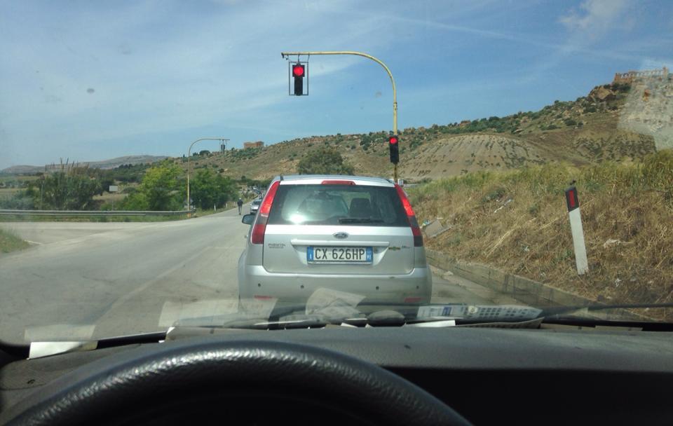 Il primo semaforo dopo due mesi